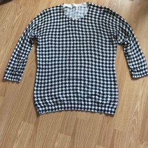 Sweaters - houndstooth sweater size m